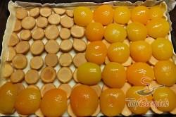 Recept elkészítése Pudingos-barackos krémes finomság piskótával, leveles tésztából, lépés 1