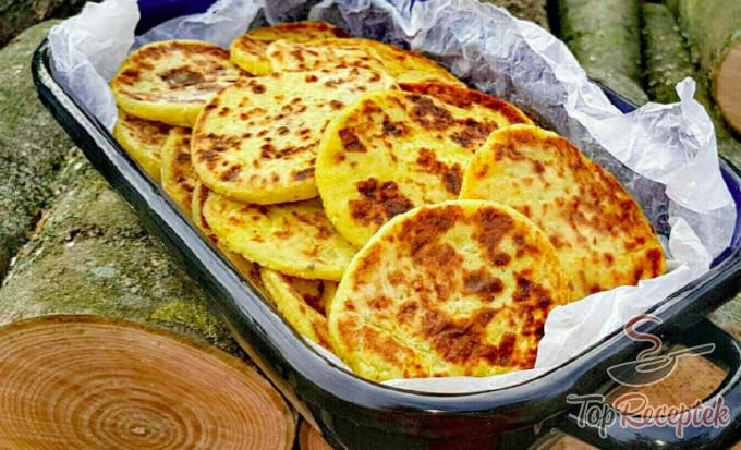 Recept Puha krumplis lepény fokhagymával és majoránnával, lépés 2