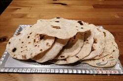 Recept elkészítése Csak víz, liszt és olaj. Pár perc, és már kész is a legjobb kenyérhelyettesítő., lépés 9