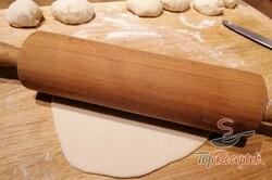 Recept elkészítése Csak víz, liszt és olaj. Pár perc, és már kész is a legjobb kenyérhelyettesítő., lépés 6